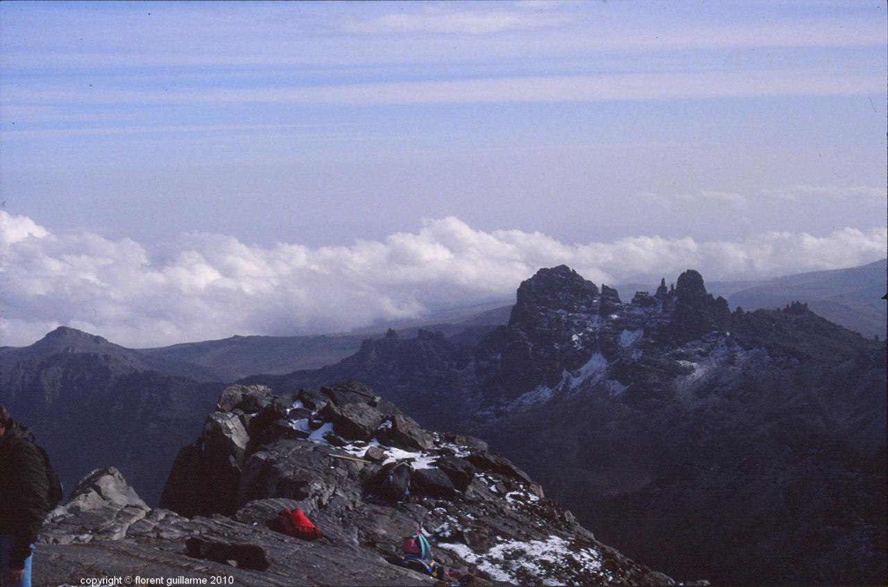 Dernier passage en escalade avant le sommet