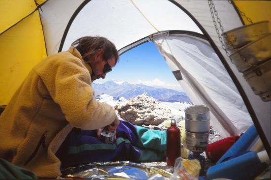 Déjeuner sous tente, et vue sur la Cordillère des Andes